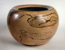 Bowl in Spalted Beech by Val Drumm - click for full size image